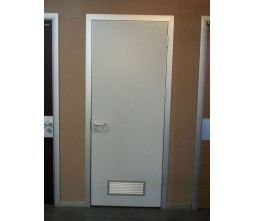 Wooden flush clinic door