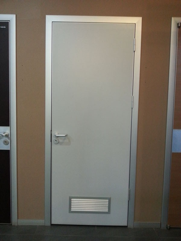 & Wooden flush clinic door