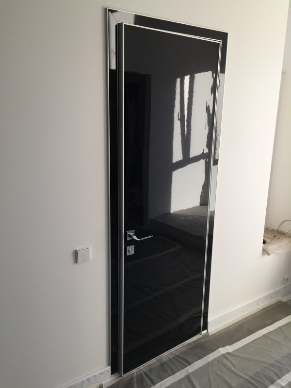 Merveilleux High Gloss Black Acrylic Doors