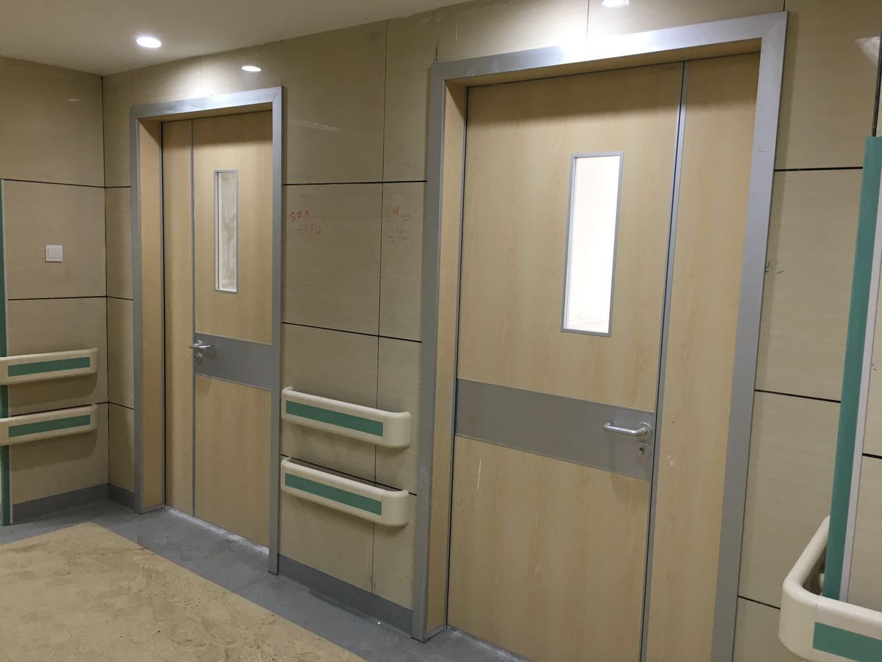 hospital doors with glass window & Hospital hygienic doors with glass window